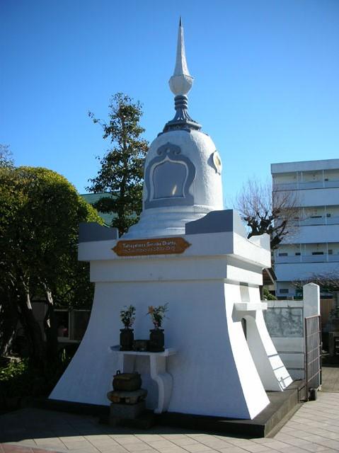 玄忠寺 仏舎利塔