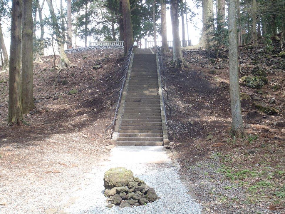 富士山世界遺産 山宮神社階段補修