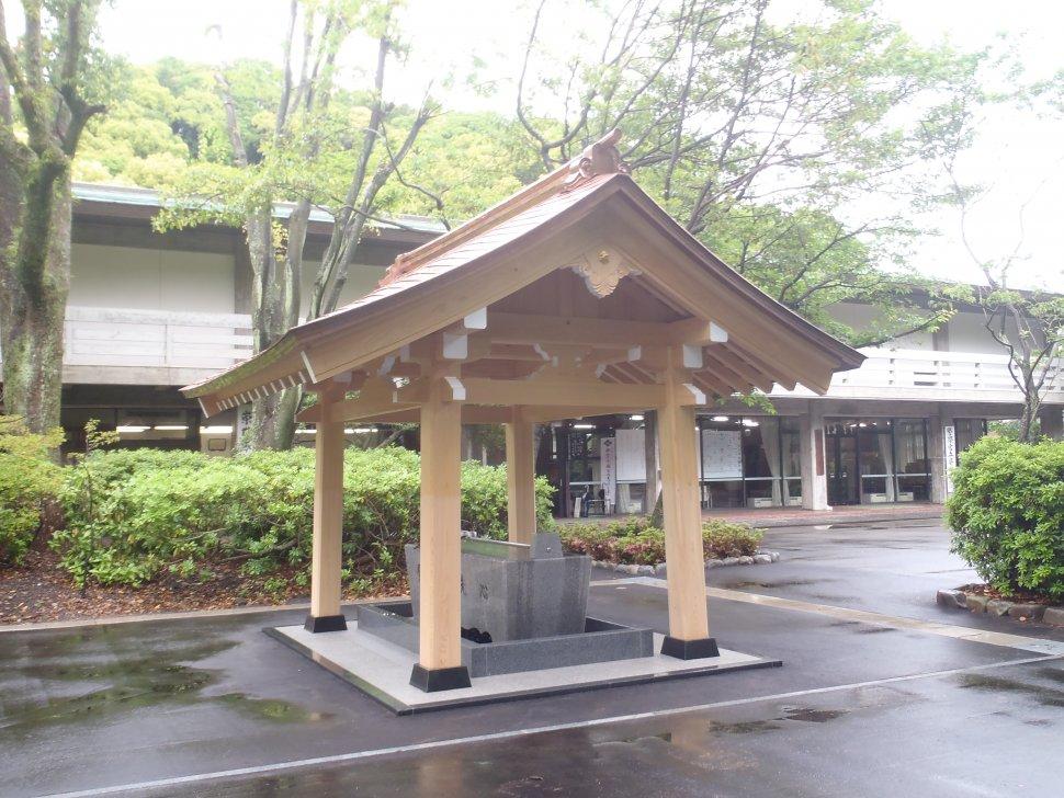 護国神社手水舎